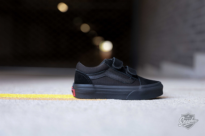 Old skool Black/Black Velcro PS (3)