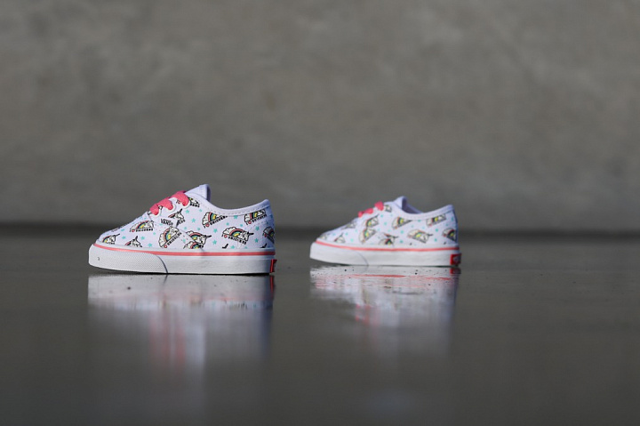 Authentic Unicorn White/Pink TS  (0)