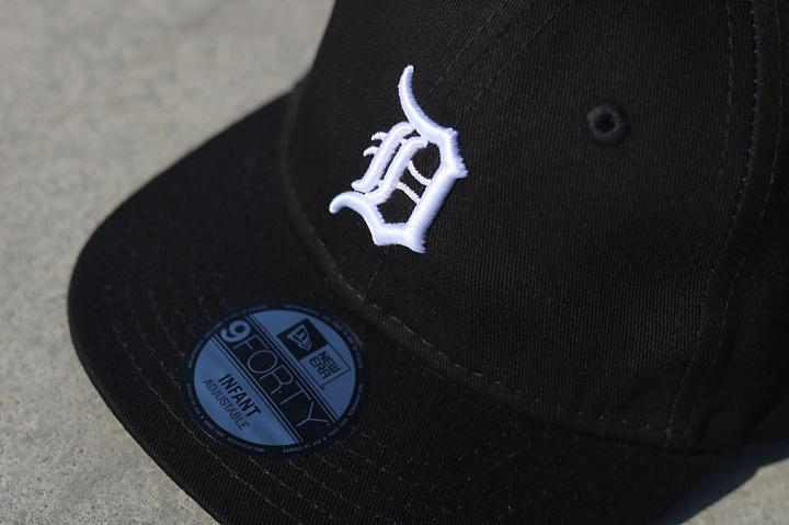9forty Detroit Tigers Black/White Infant (2)