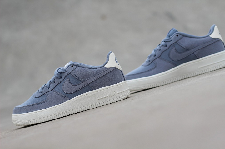 nike air force 1 blauw suede
