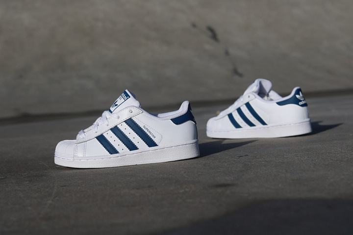 Superstar White/Navy PS (2)