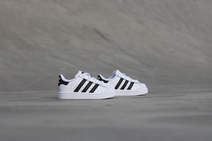Superstar O.G White/Black TS (3)