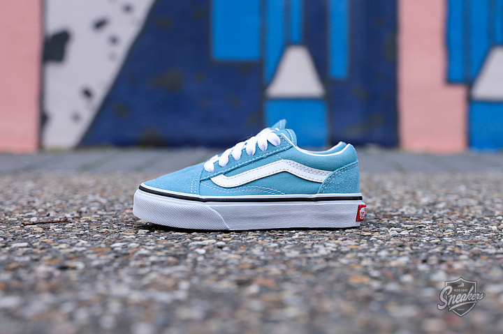 Old Skool Delphinium Blue True White PS (0)