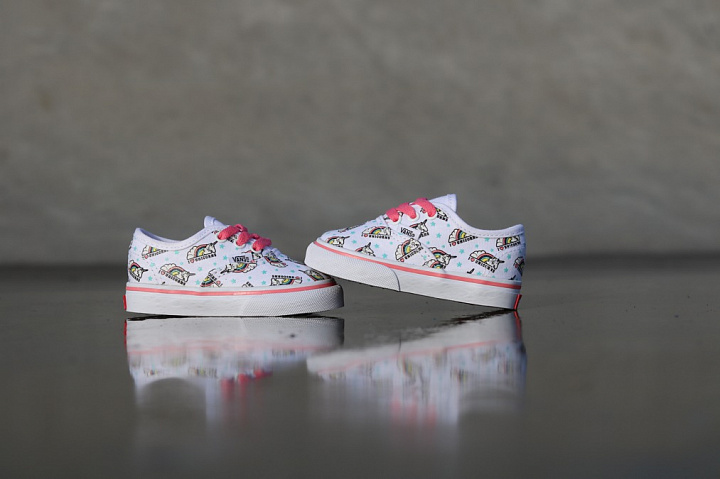 Authentic Unicorn White/Pink TS  (5)